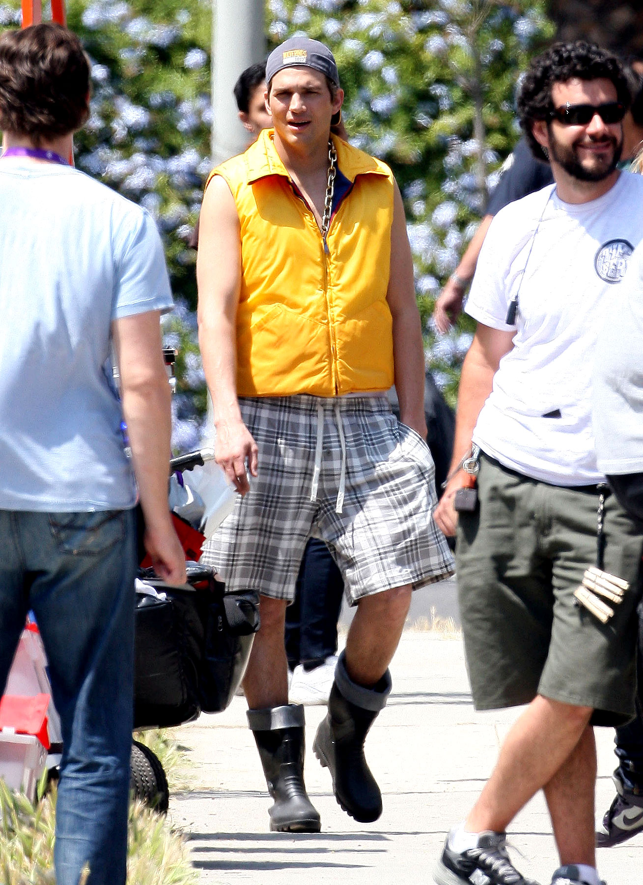 Ashton Kutcher Is The Definition Of Fashionable In Wellies (PHOTOS)