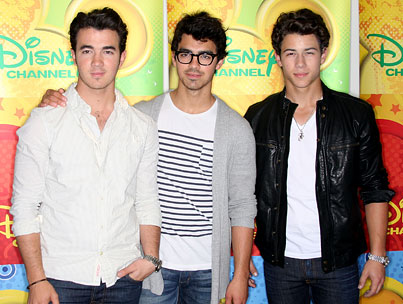 Jonas Brothers Announce Solo Career Plans, Tween Nation Recoils In Terror