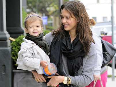 Jessica Alba Enjoys a Mother-Daughter Breakfast