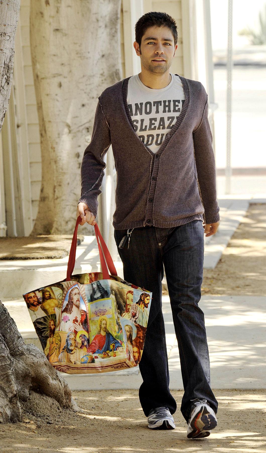 Adrian Grenier Carries A Bag, For Jesus (PHOTOS)