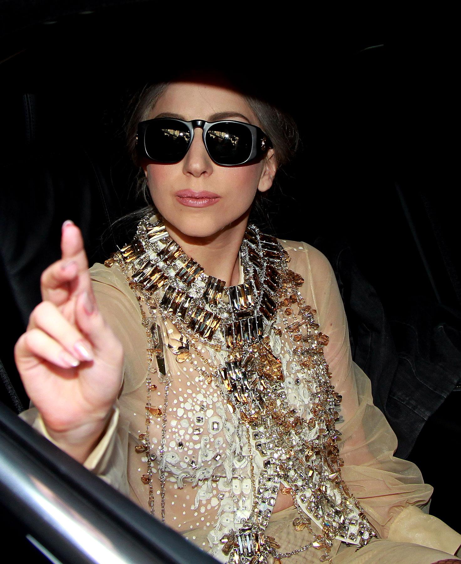 Lady Gaga Gives Us Grandma Style (PHOTOS)
