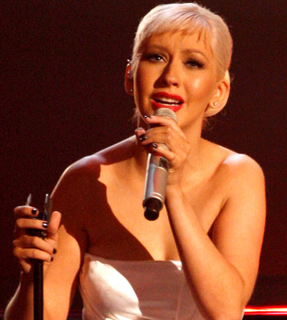 BUZZINGS: Christina Aguilera Cancels Summer Tour