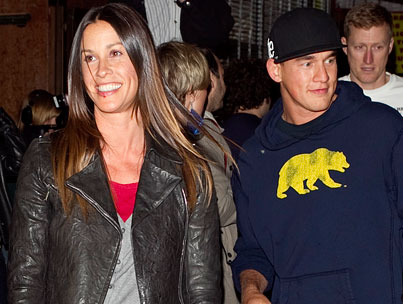 Alanis Morrissette Marries on a Presumably Rain-Free Day
