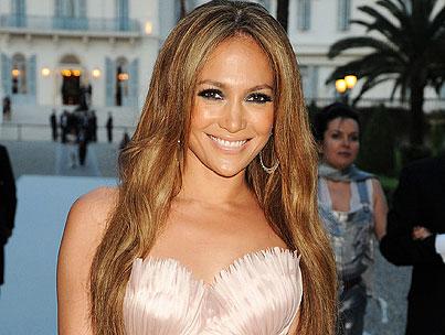 Jennifer Lopez Puts Herself on Infinite Repeat