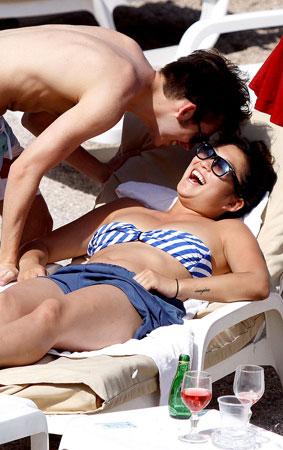 'Glee' Stars Have A Flirty Beach Date (PHOTOS)