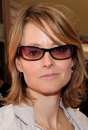 Jodie Foster Allegedly Attacks Teen Fan