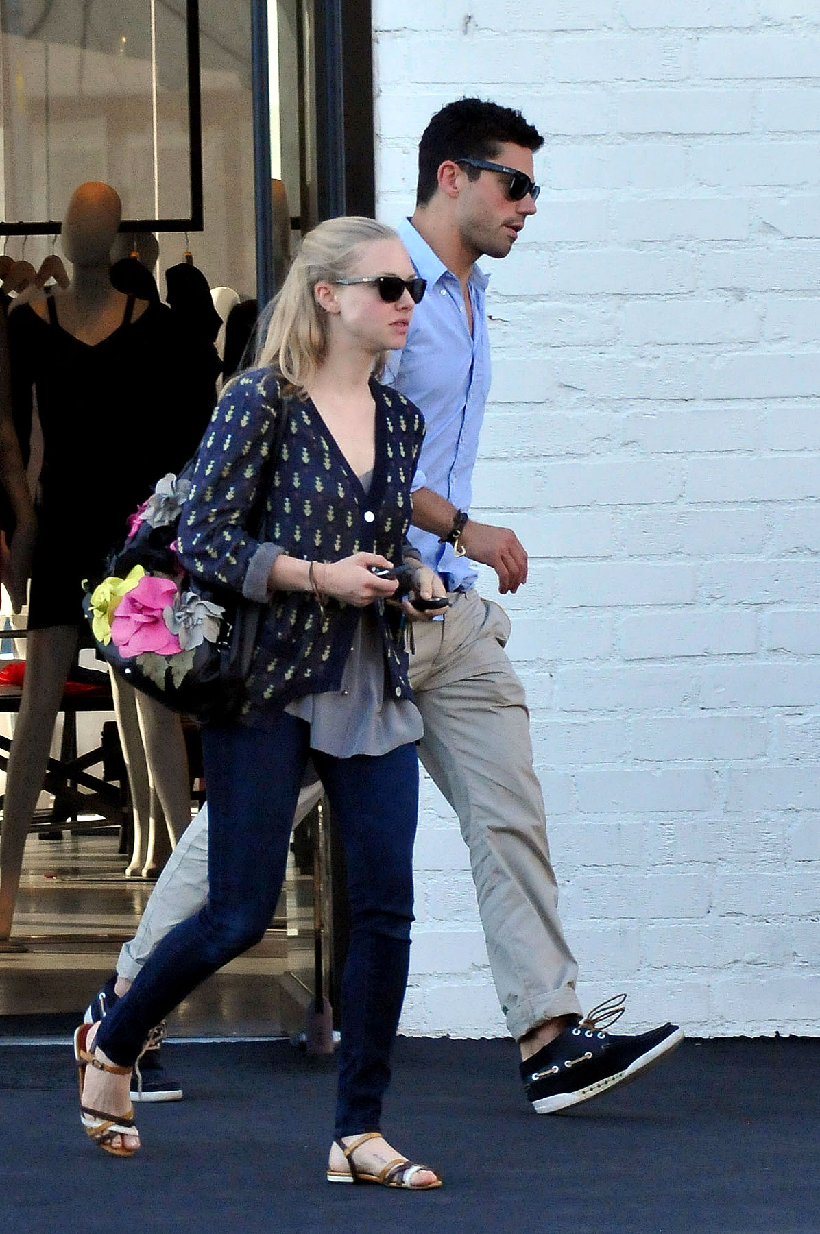 Amanda Seyfried and Dominic Cooper Squelch Breakup Rumors By Hanging Out Together (PHOTOS)