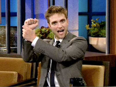 How Robert Pattinson Charms The Ladies (VIDEO)