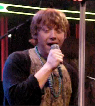Rupert Grint Gets His Karaoke On (VIDEO)