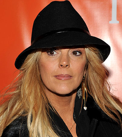 Cops Called On Dina Lohan At Carvel Ice Cream Store