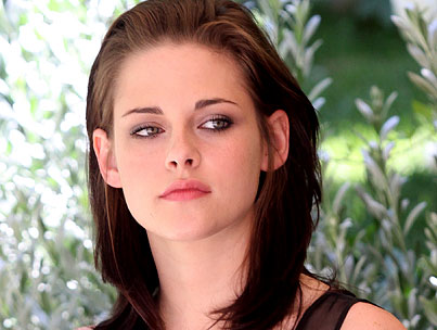 Kristen Stewart Is Ready to Replace Angelina Jolie