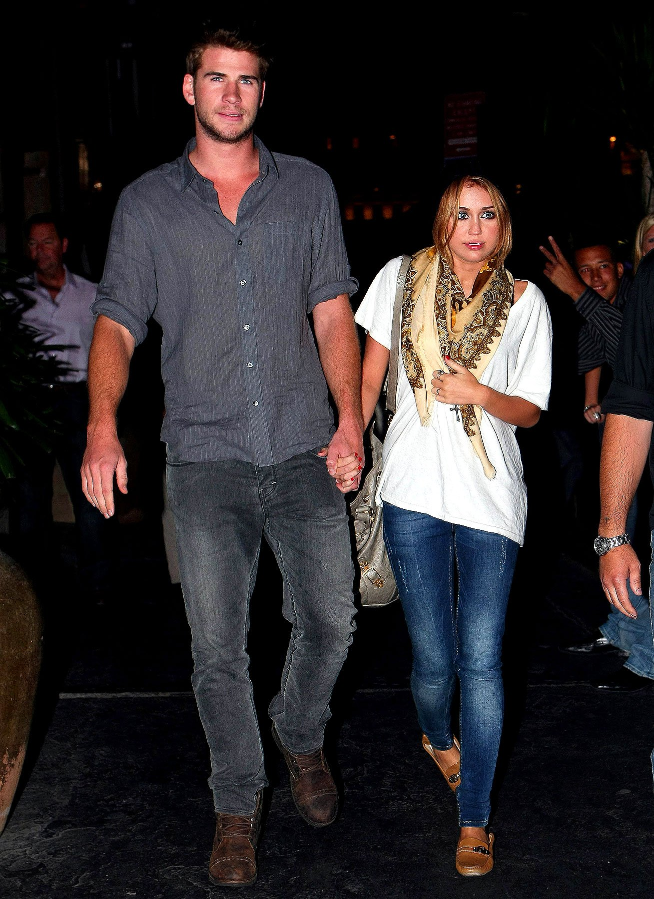Miley Cyrus and Liam Hemsworth Feed Their Love Over Dinner (PHOTOS)