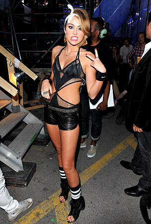 Miley Cyrus & Justin Bieber Go Gangsta At The MuchMusic Video Awards (VIDEO)