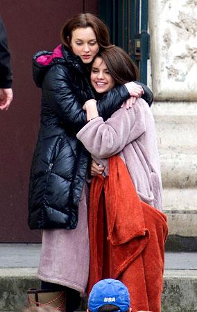 Leighton Meester & Selena Gomez Warm Each Other Up (PHOTOS)