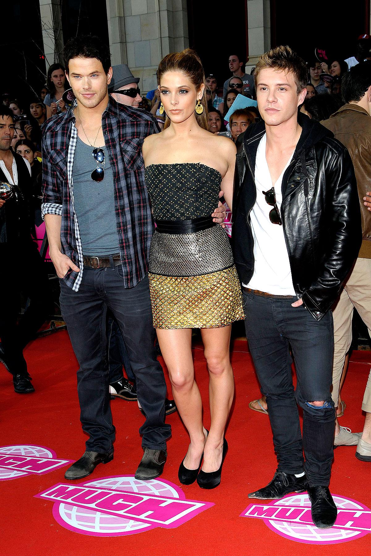 Fashion FAILs & FTWs Of The 2010 MuchMusic Video Awards (PHOTOS)