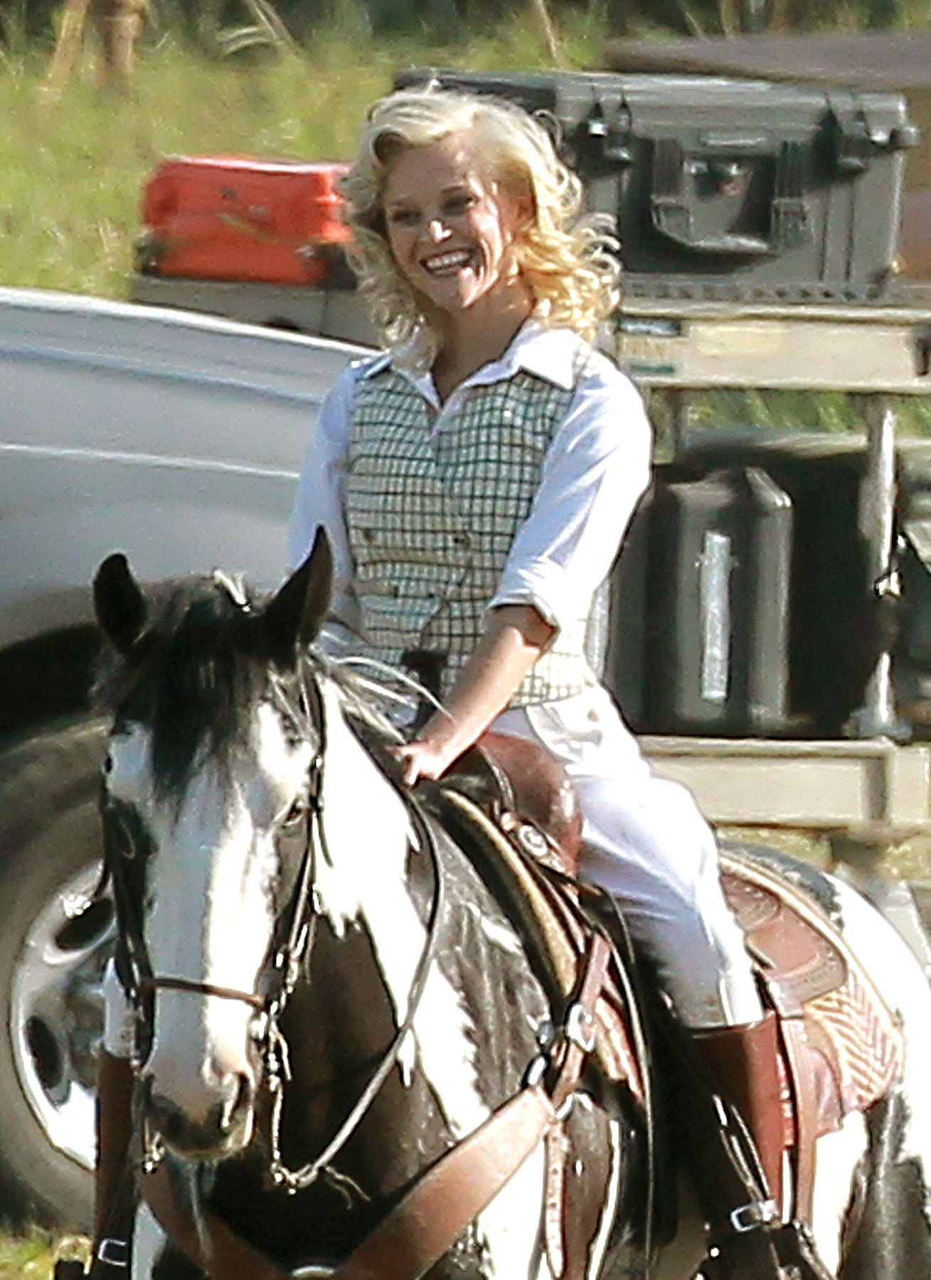 Reese Witherspoon Horses Around on 'Water for Elephants' Set (PHOTOS)