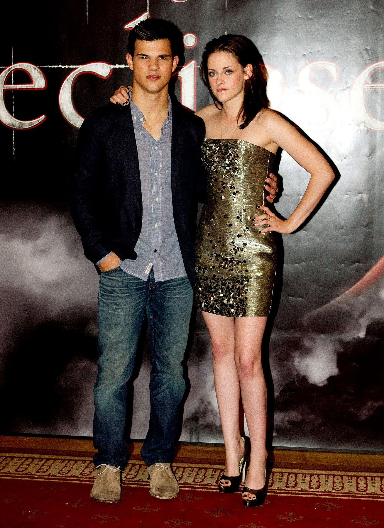 Kristen Stewart & Taylor Lautner FTW at the 'Eclipse' Photocall (PHOTOS)