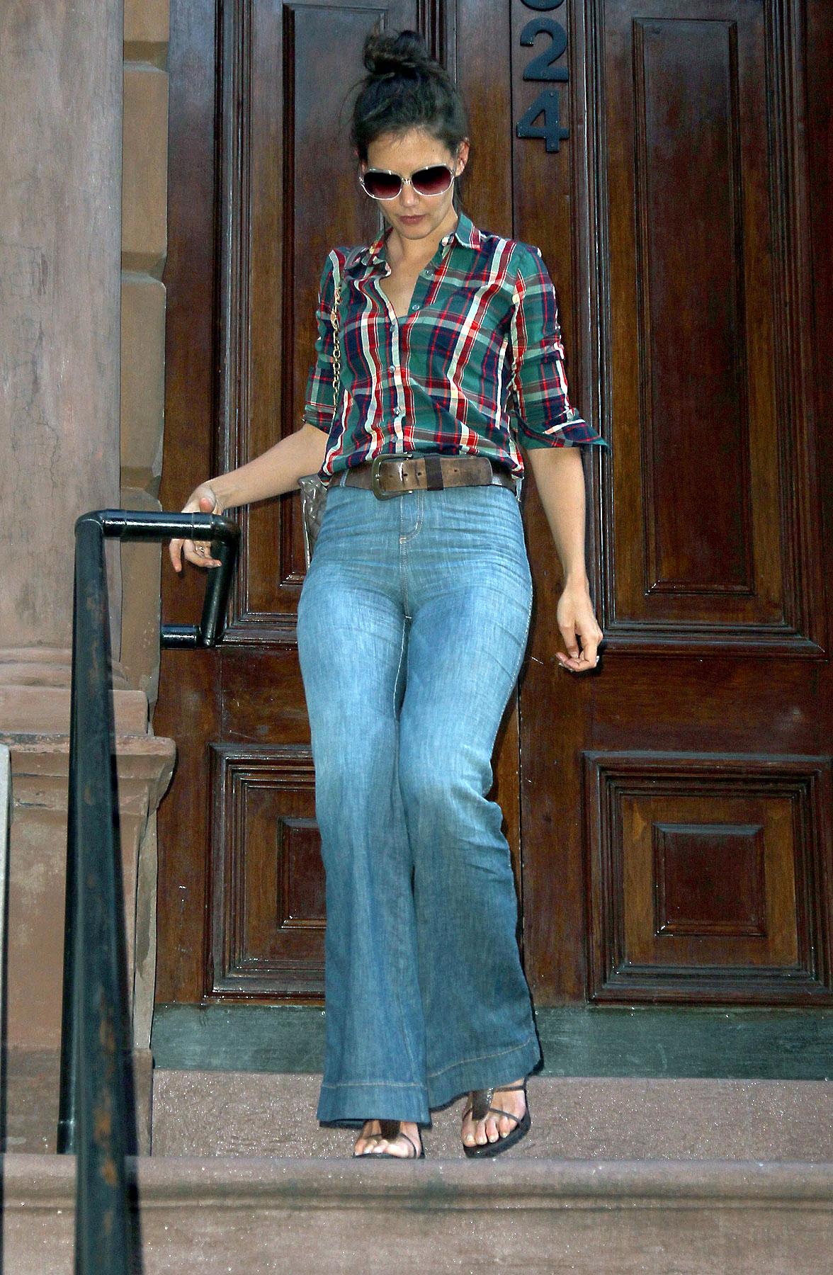 Fashion FAIL: Katie Holmes Is So High Waisted (PHOTOS)