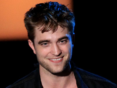 BUZZINGS: Robert Pattinson Says He's Not a Mormon Pawn
