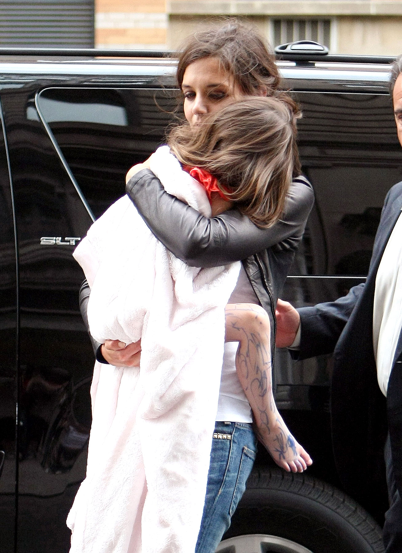 Suri Cruise Accessorizes With Marker Tattoos (PHOTOS)