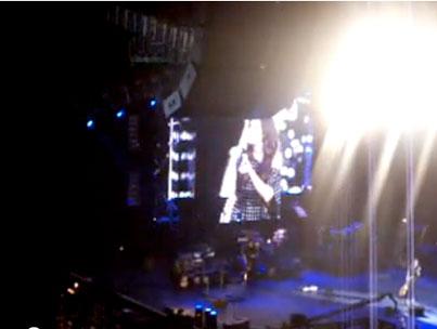 Sandra Bullock Plays Guitar for Charity (VIDEO)