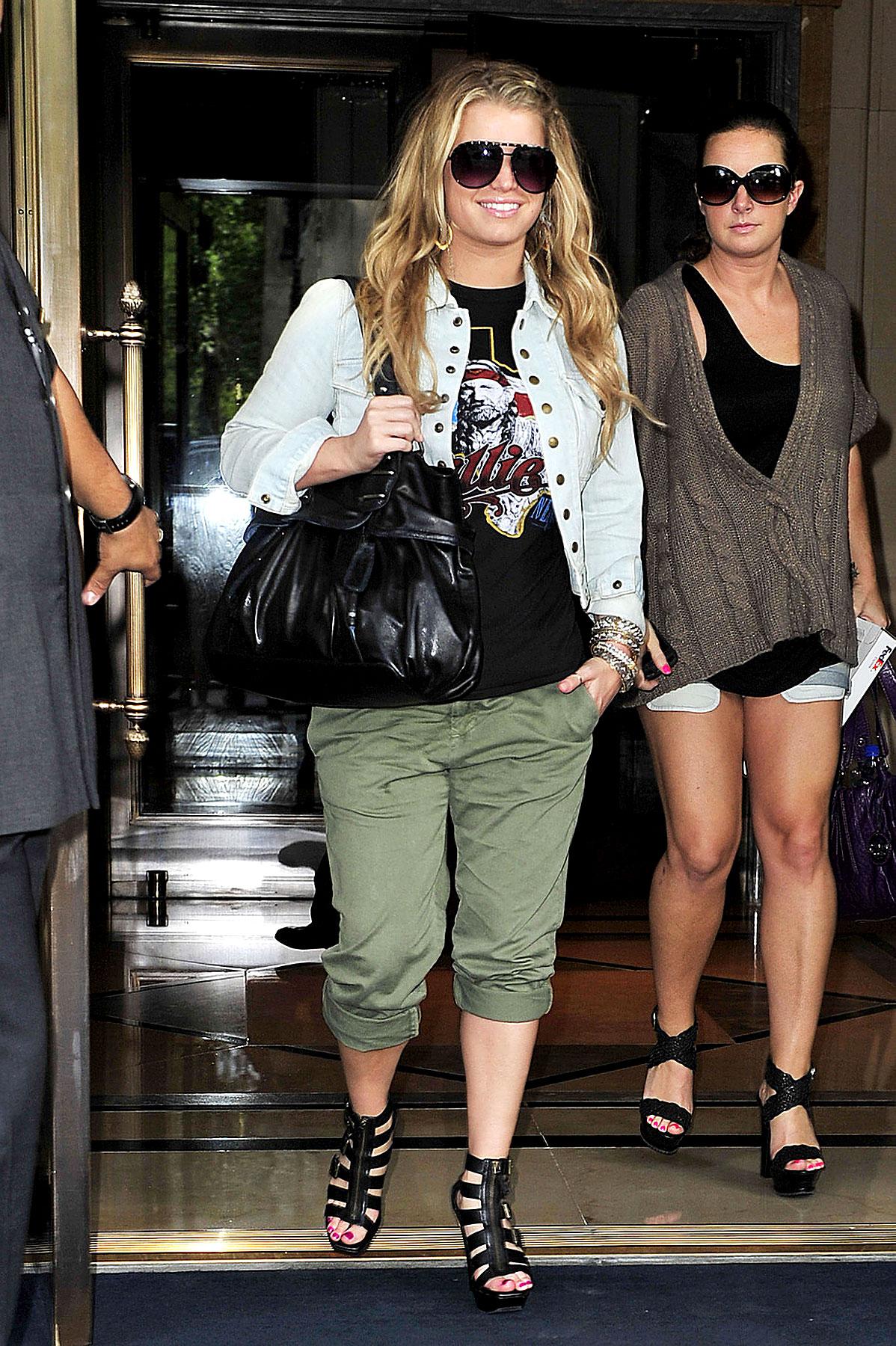 Fashion FAIL: Jessica Simpson Gets Choppy (PHOTOS)