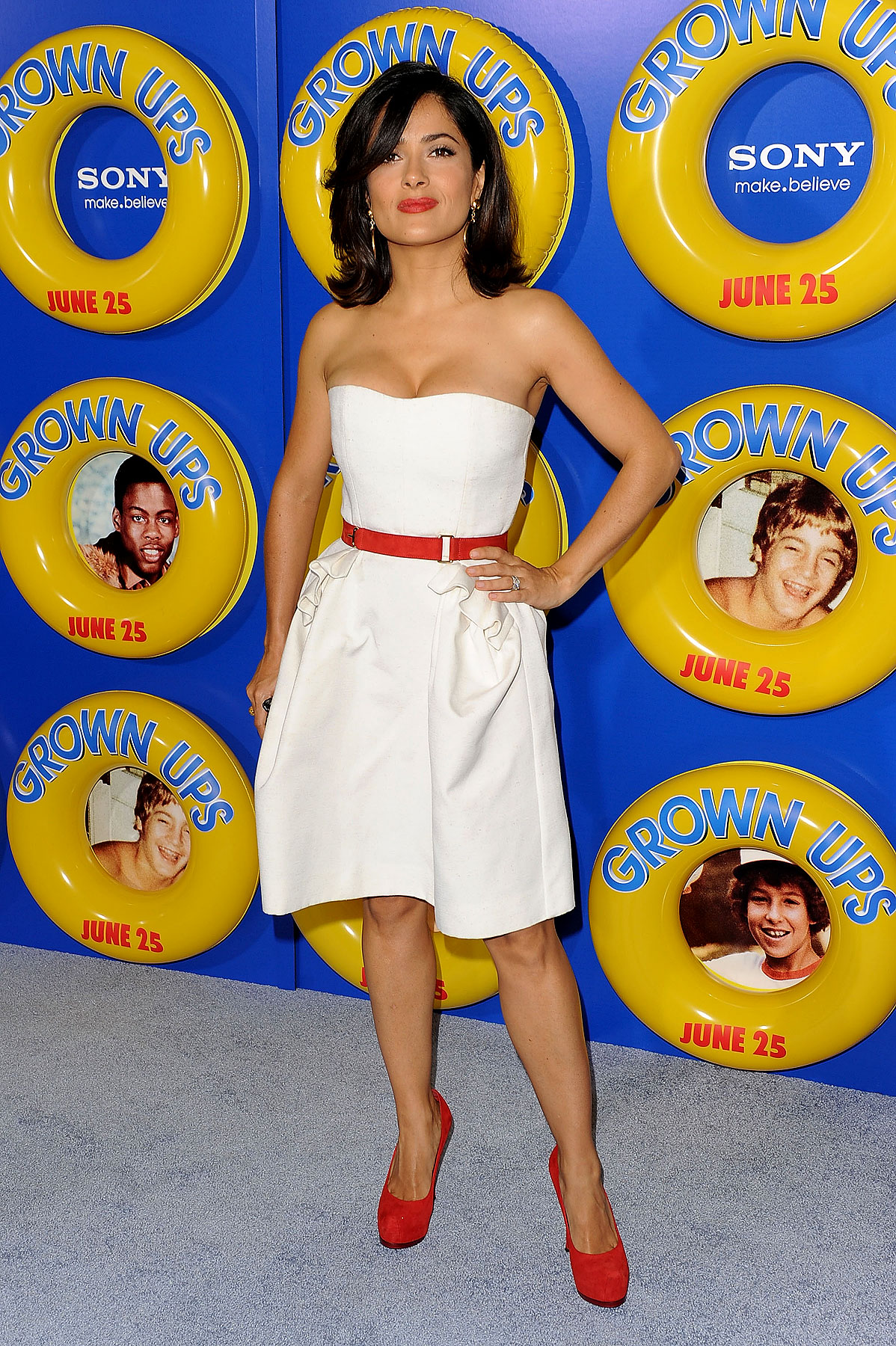 Fashion FAILs & FTWs Of The 'Grown Ups' Premiere (PHOTOS)