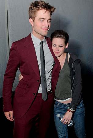Robert Pattinson & Kristen Stewart Spend All Night Together