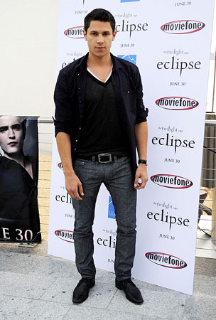 Alex Meraz Celebrates 'Twilight Night' (PHOTOS)