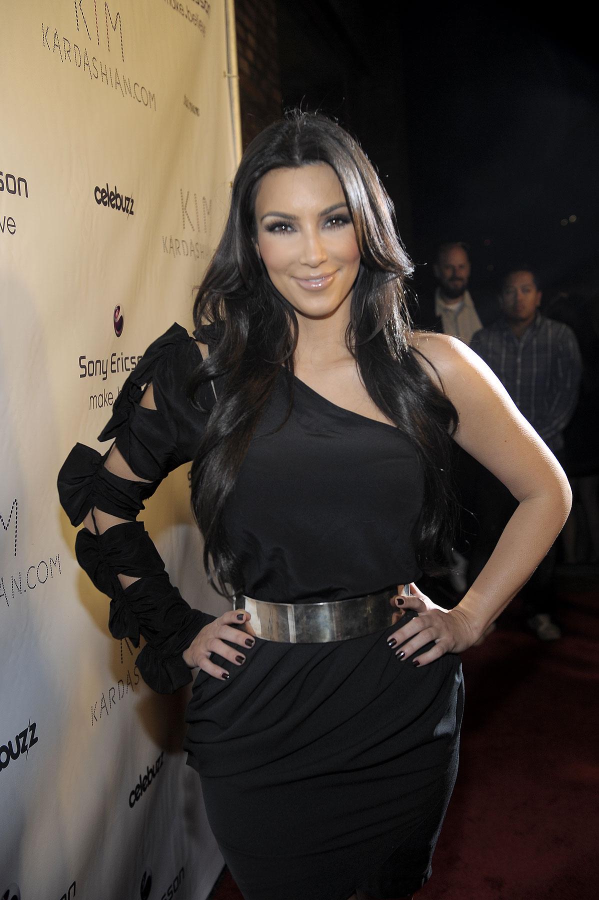 Kim Kardashian Relaunches Her #1 Blog (PHOTOS)