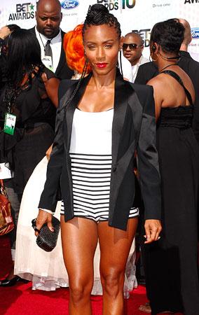 Fashion FAIL: Jada Pinkett Smith Wears 50's Swimwear On The Red Carpet (PHOTOS)