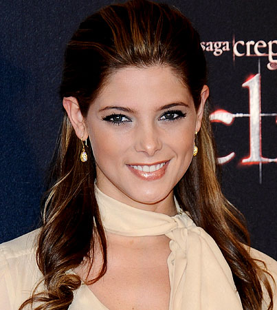 Ashley Greene to Co-Star With 'Twilight' Hater Miley Cyrus in 'LOL'