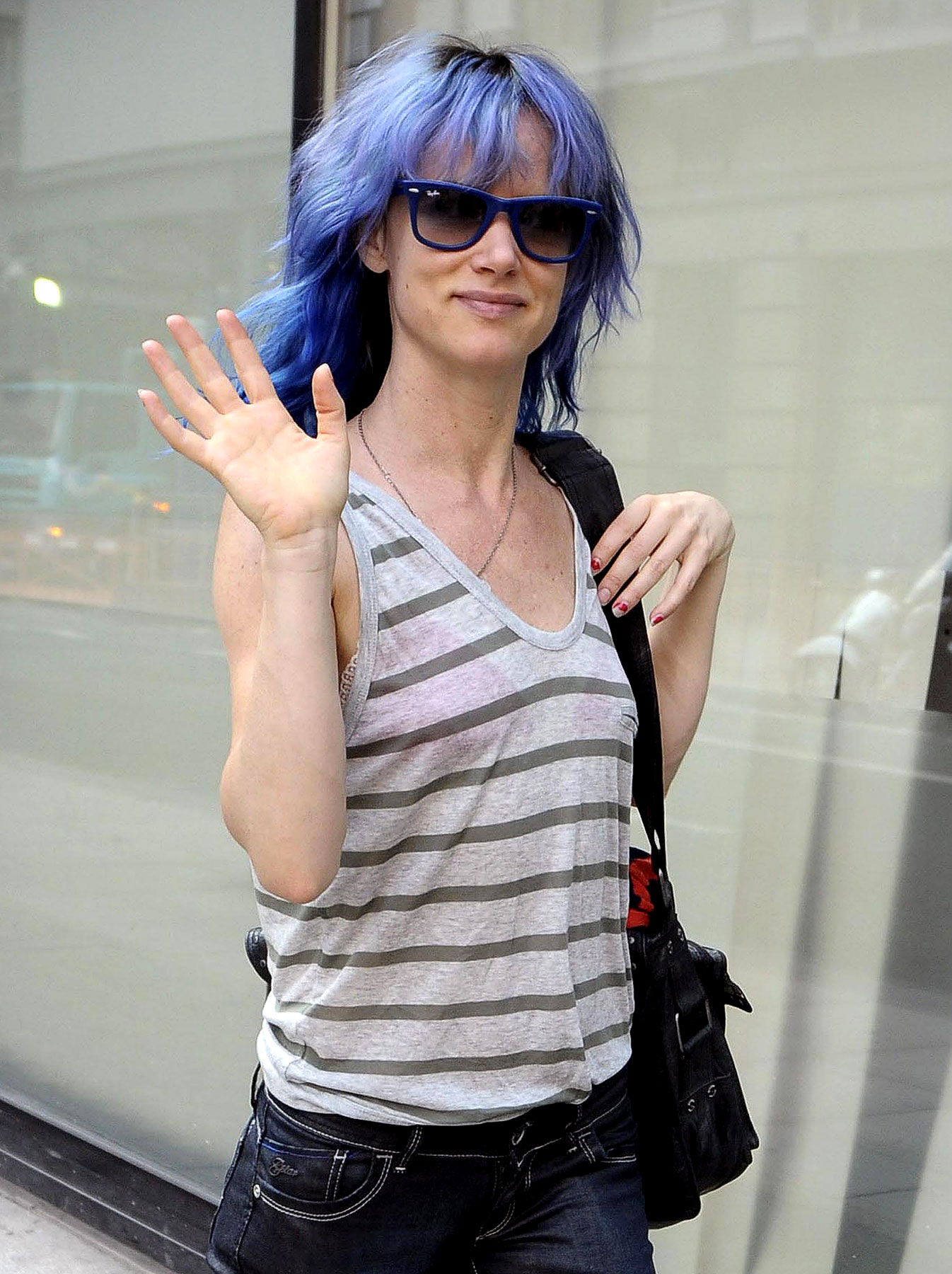 Juliette Lewis And Her Smurf Hair (PHOTOS)