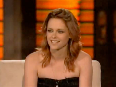 Kristen Stewart Bonds With Her Dad, Does Some Juggling on 'Lopez Tonight' (VIDEO)