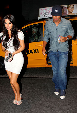 Kim Kardashian Steps Out With a New Man (PHOTOS)