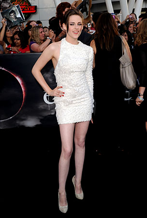 BIG BUZZ: Why Kristen Stewart's Feet Hate Her and MUCH MUCH MORE!