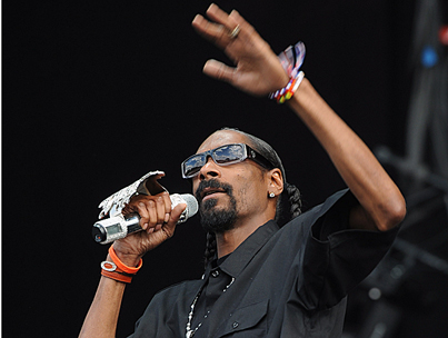 Snoop Dogg Bans All Men but Himself from VIP Party