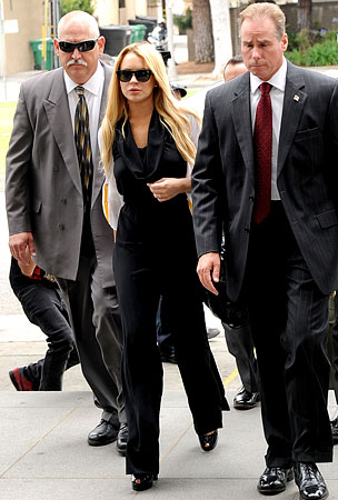 Lindsay Lohan Wants $1 Million For Post-Prison Interview