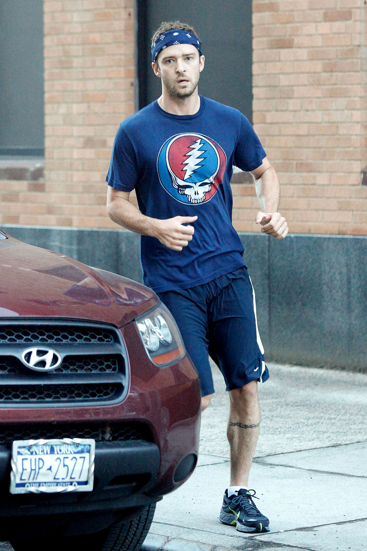Justin Timberlake Takes a Run at Hippie Chic (PHOTOS)