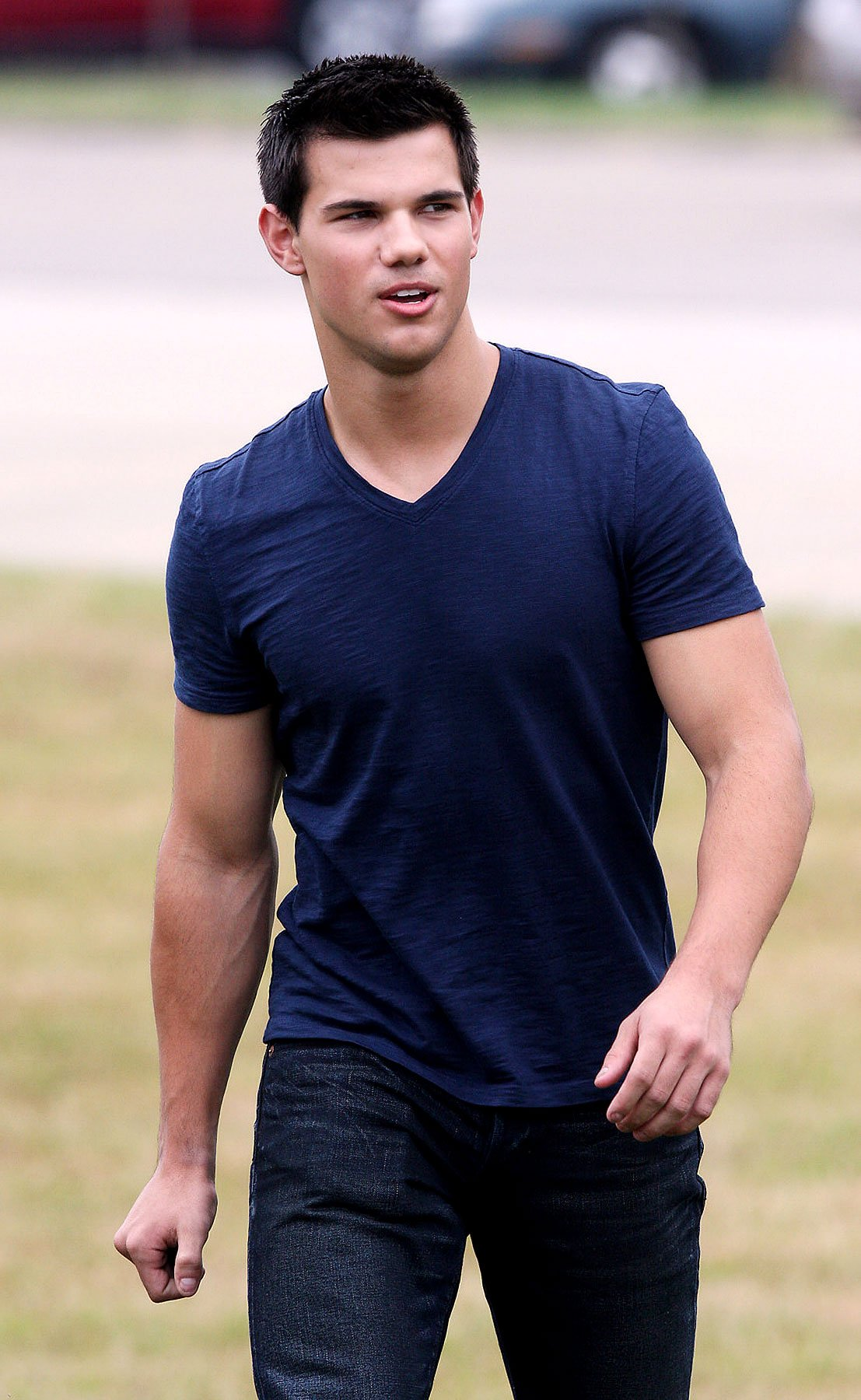 Taylor Lautner on the Set of 'Abduction' (PHOTOS)