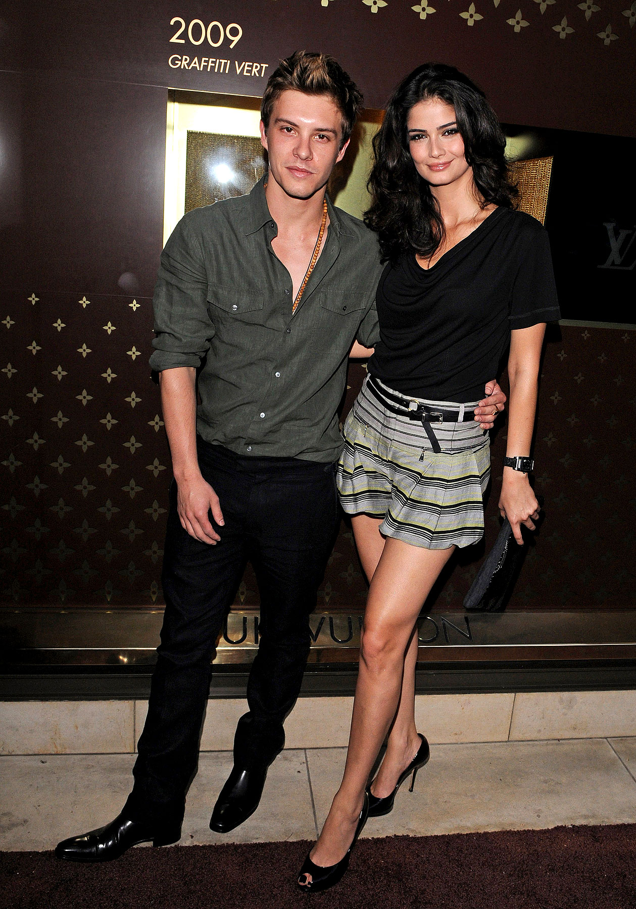 Xavier Samuel Shows Off His New Girlfriend in L.A. (PHOTOS)