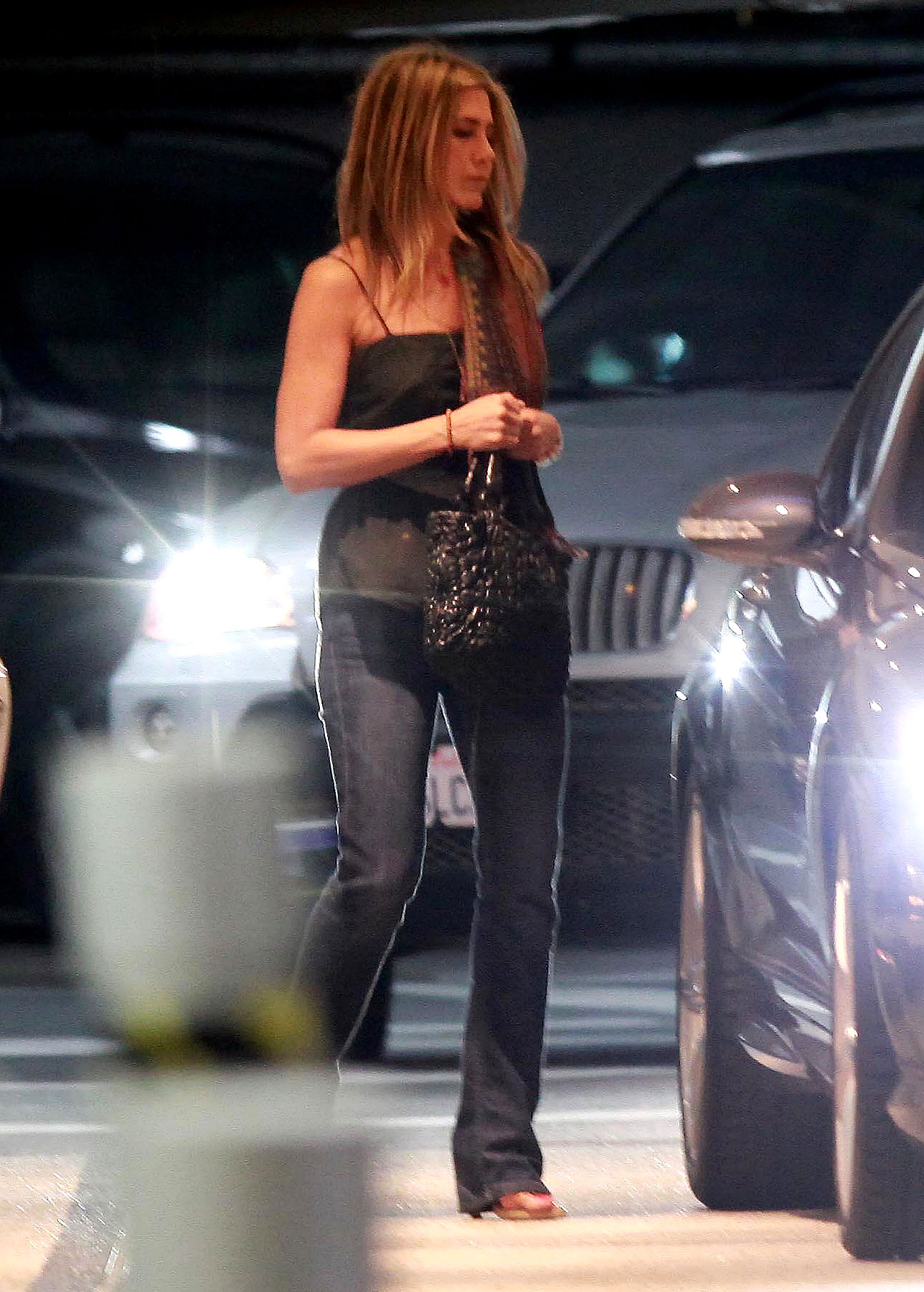 Jennifer Aniston Steps Out With New Man (PHOTOS)