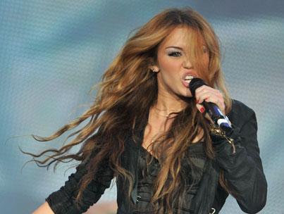 Miley Cyrus Trashes 'Twilight,' Calls Vampires 'Revolting'