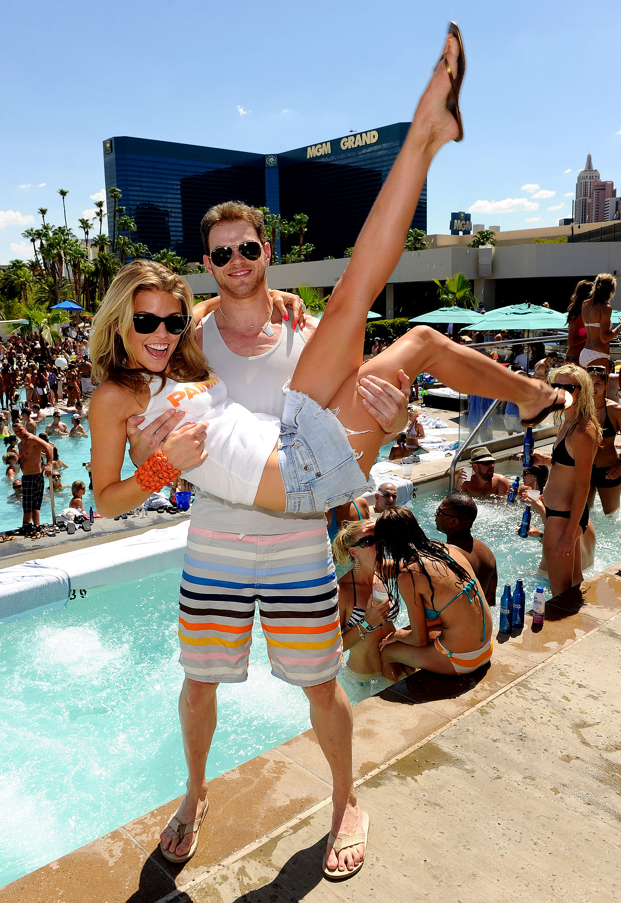 Kellan Lutz Gives AnnaLynne McCord a Lift for Her Birthday (PHOTOS)