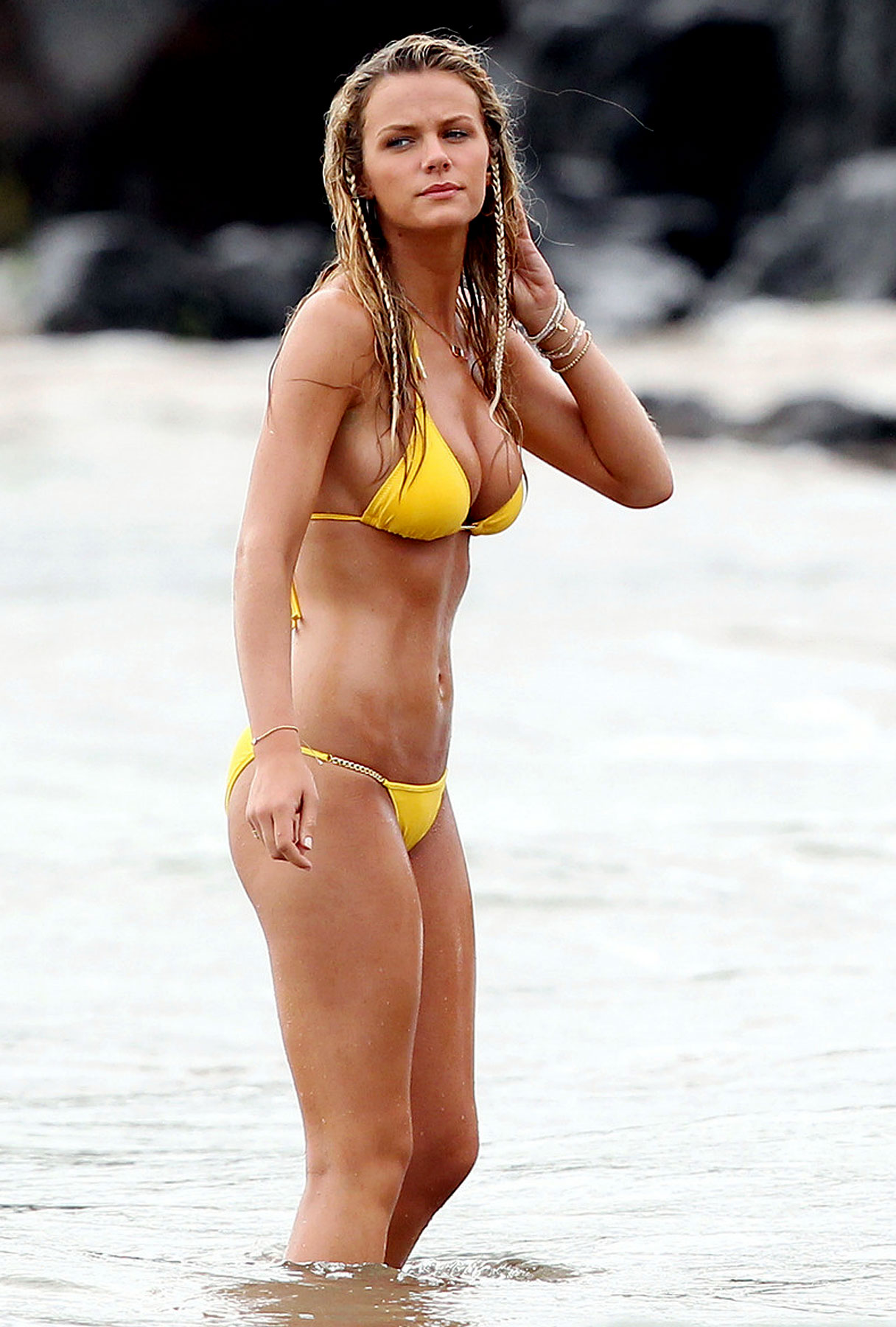 Brooklyn Decker Leads Top 10 Hot Celeb Bikini Bodies List (PHOTOS)