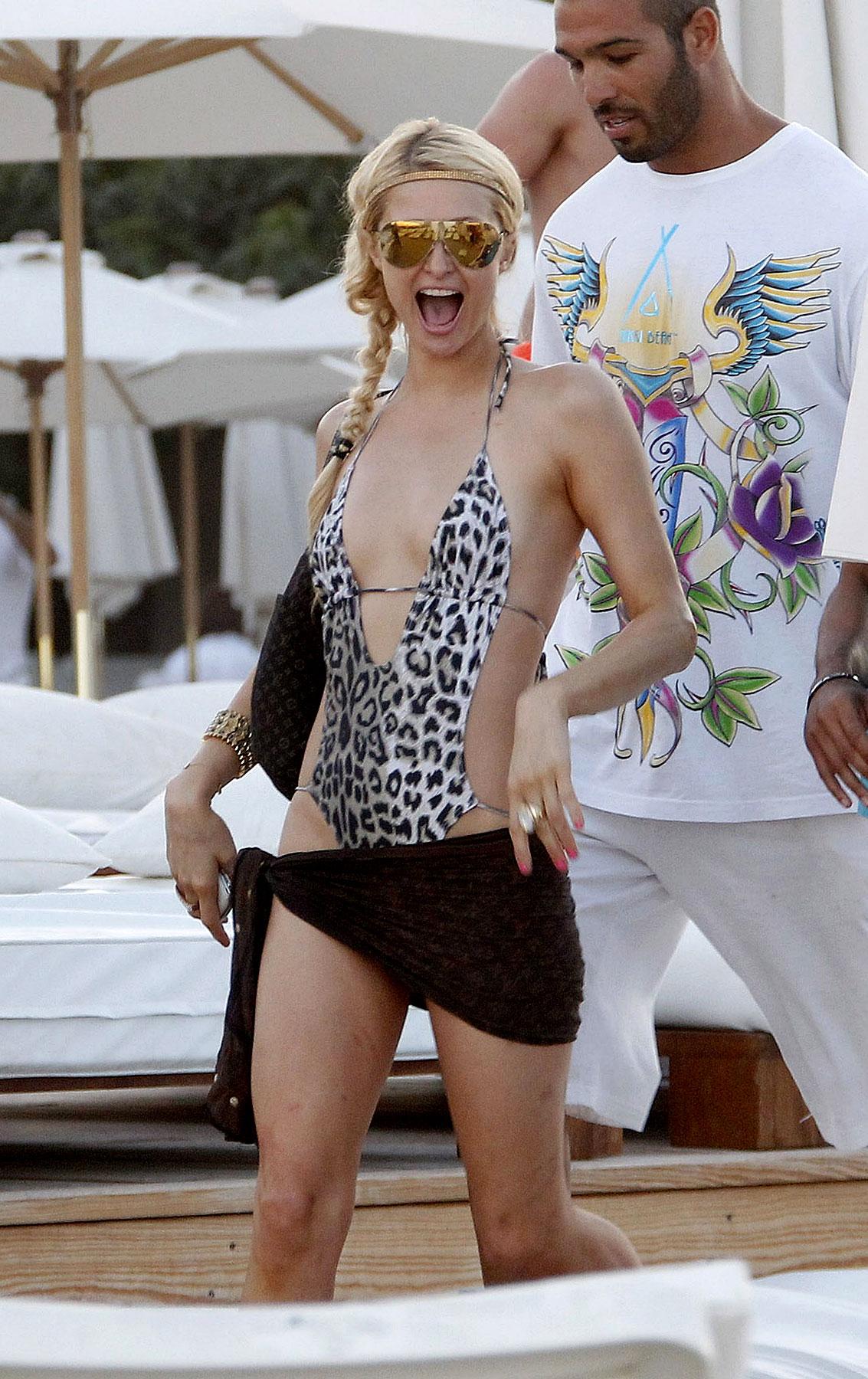 Paris Hilton Suns in Saint Tropez (PHOTOS)
