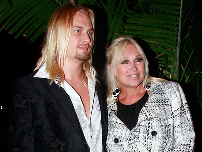 BUZZINGS: Linda Hogan Is Engaged