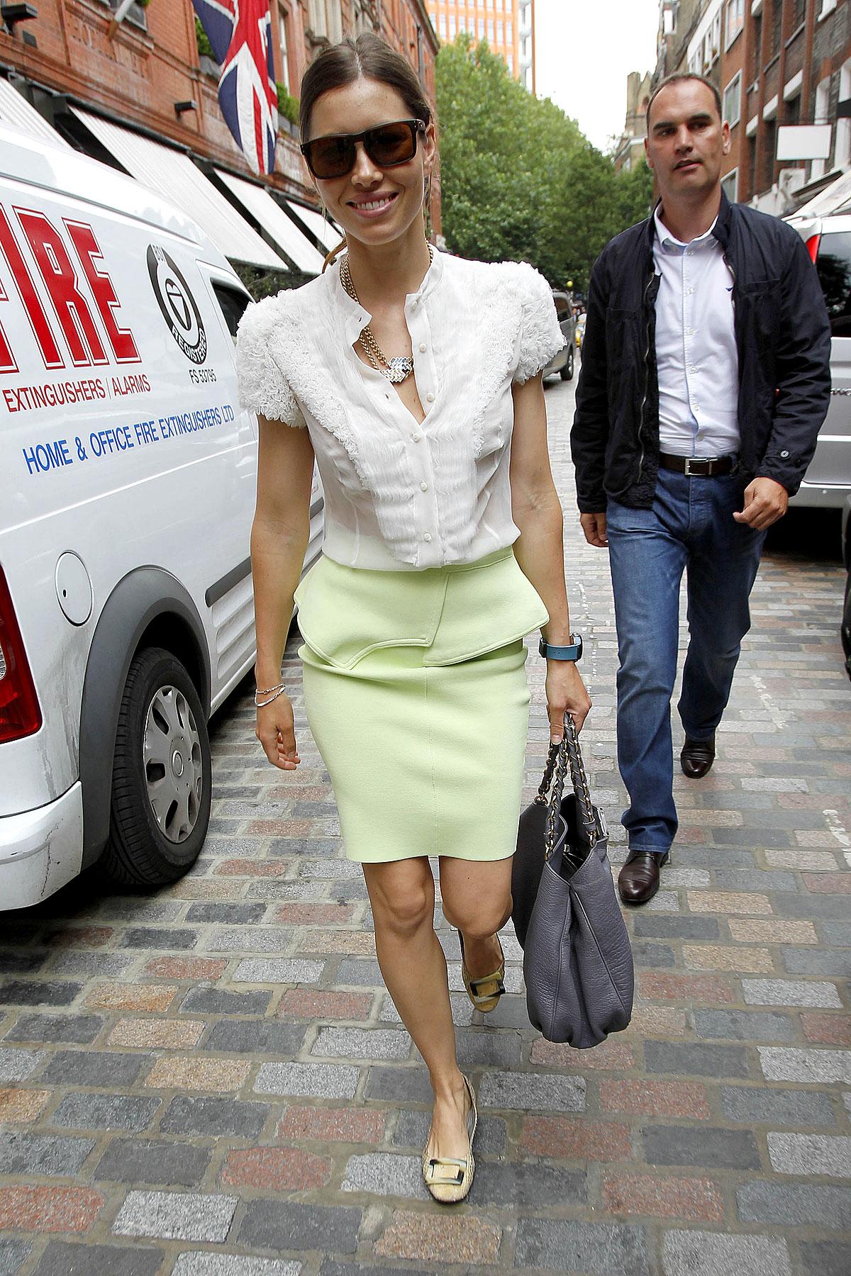Fashion FTW: Jessica Biel Wears Sherbet (PHOTOS)