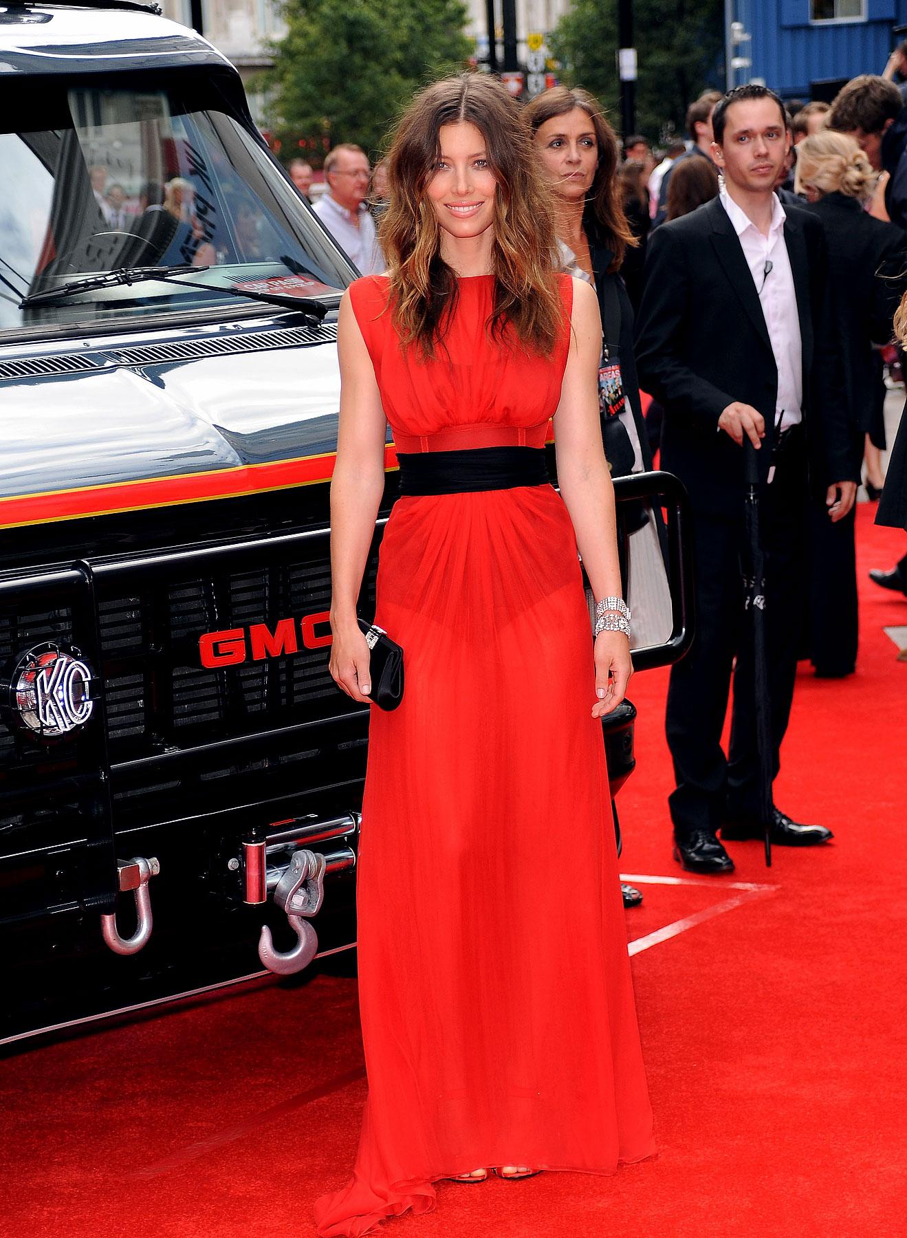 Jessica Biel is Red Hot, Again (PHOTOS)