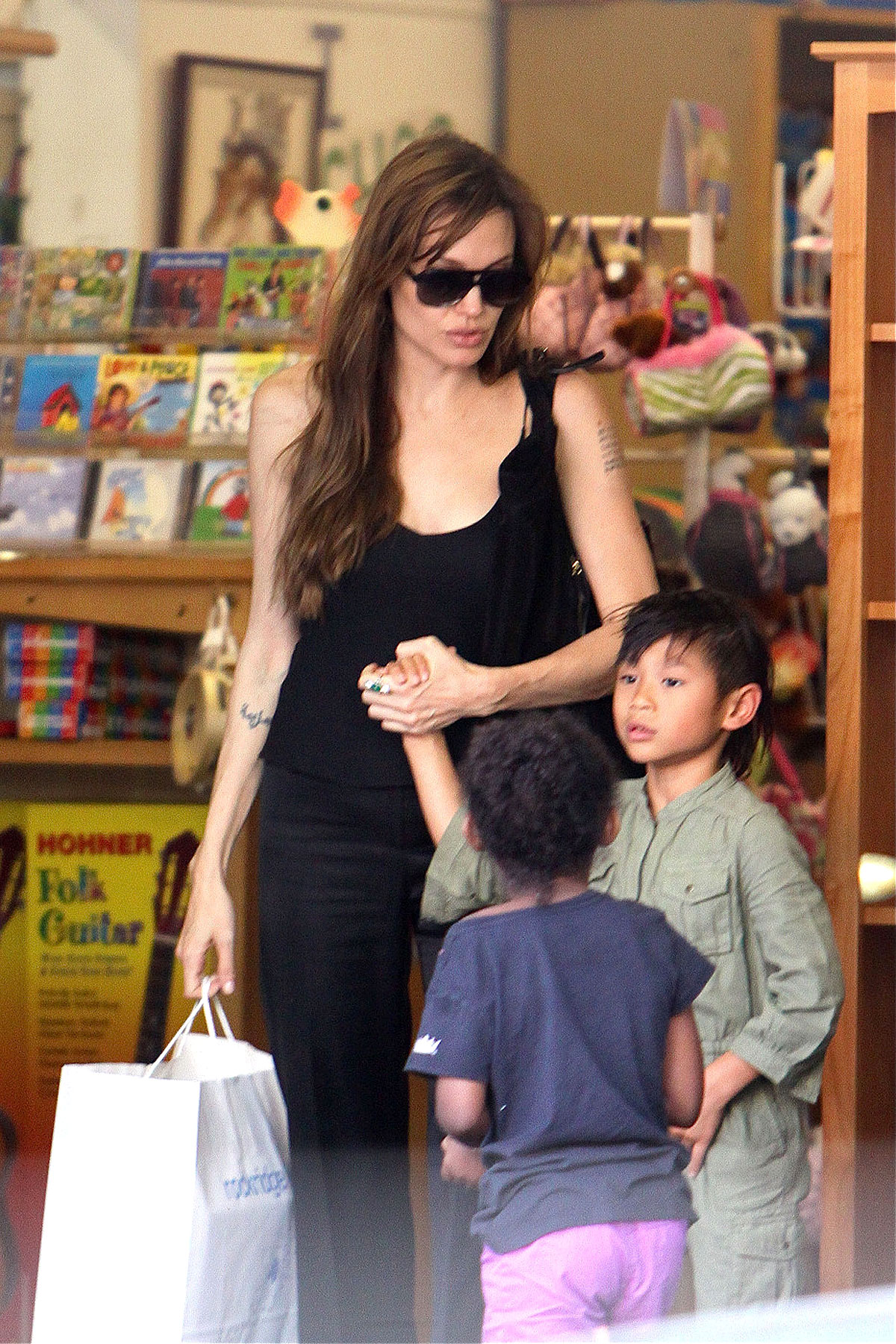 Angelina Jolie Toys With Her Children (PHOTOS)